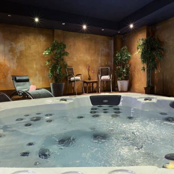 Be Well E585 Deluxe Hot Tub