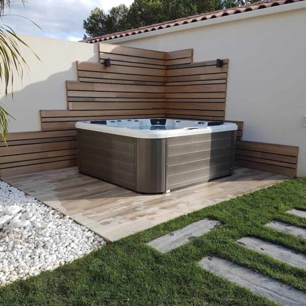 Be Well 0765 Luxury Hot Tub
