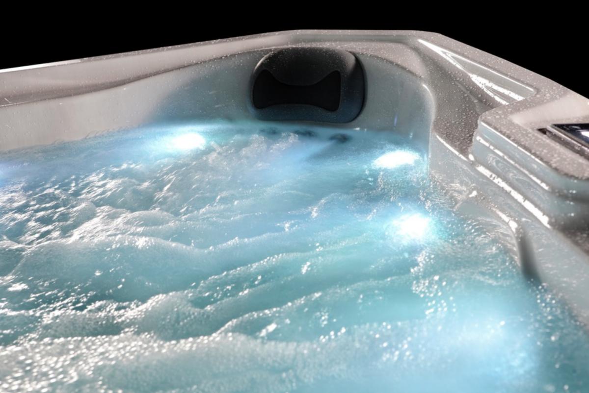 Platinum Spas Refresh Hot Tub - Blue LED Lighting