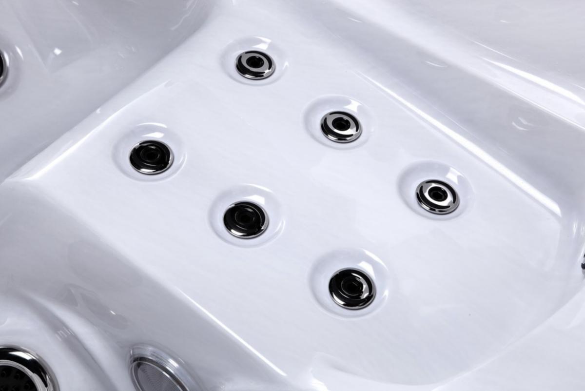 Platinum Spas Refresh Hot Tub - Jets