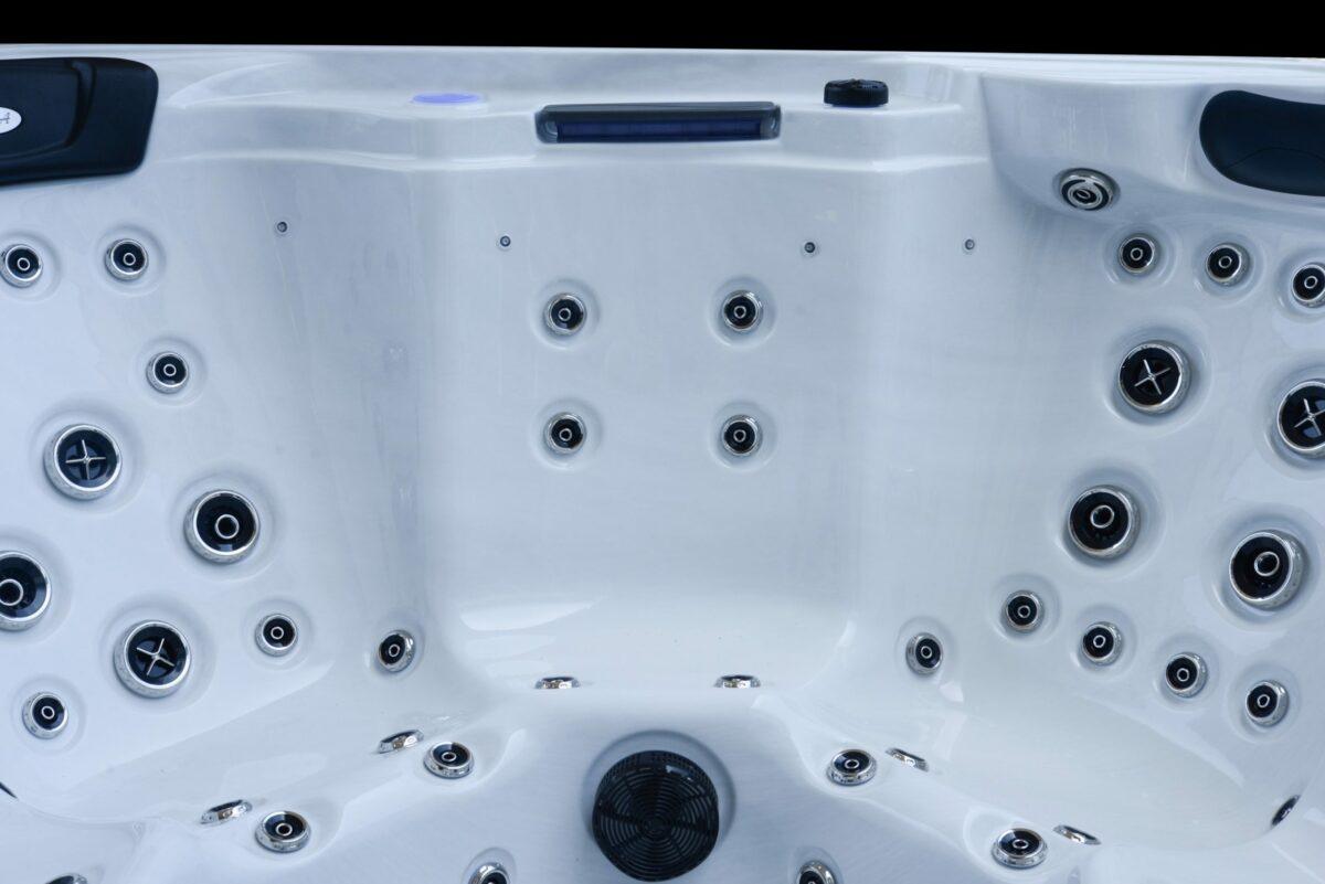 Platinum Spas Infinity Hot Tub