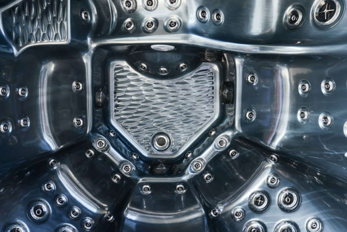 Platinum Spas Infinity Hot Tub (Silver) - Detail