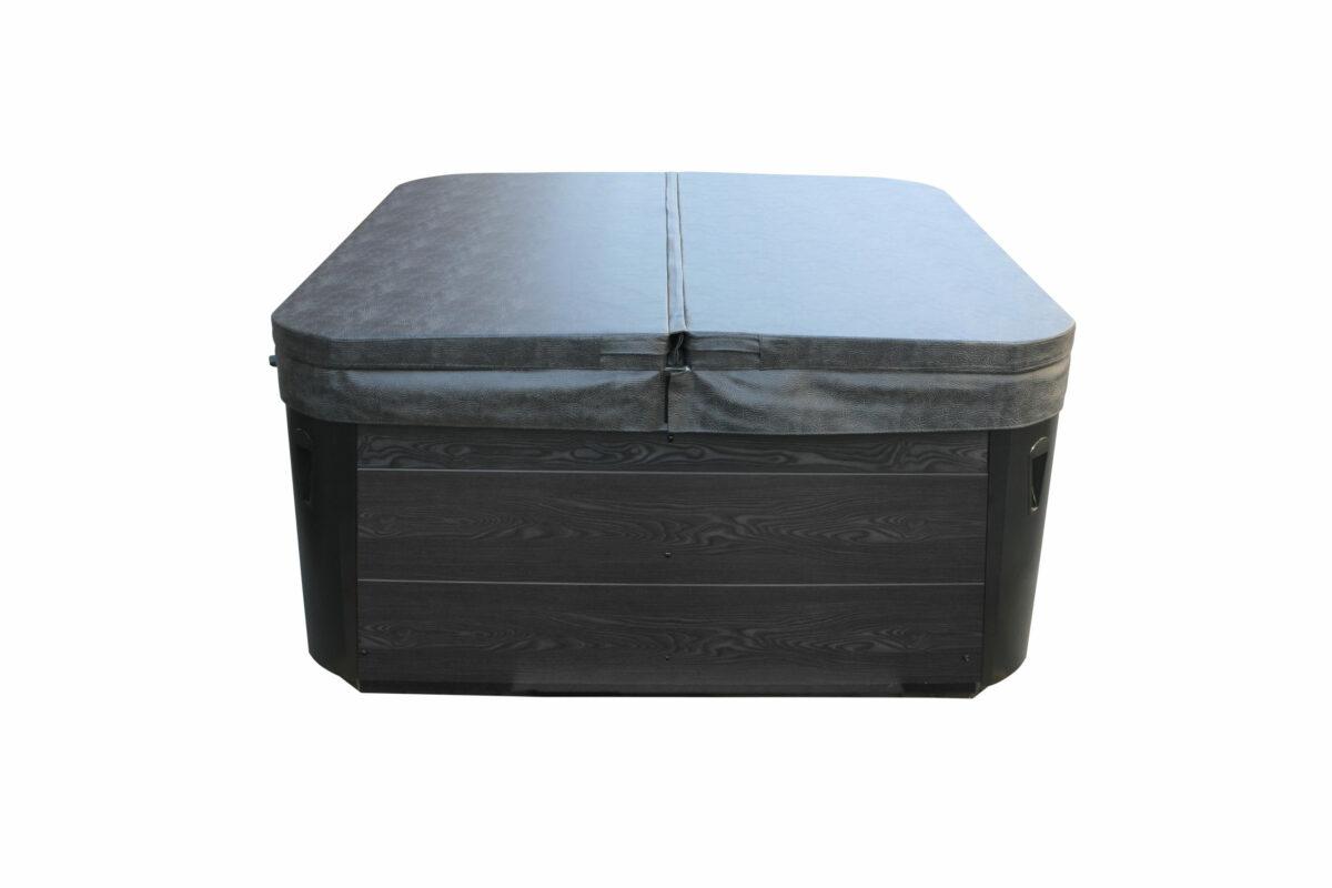 Lyra Hot Tub - Covered