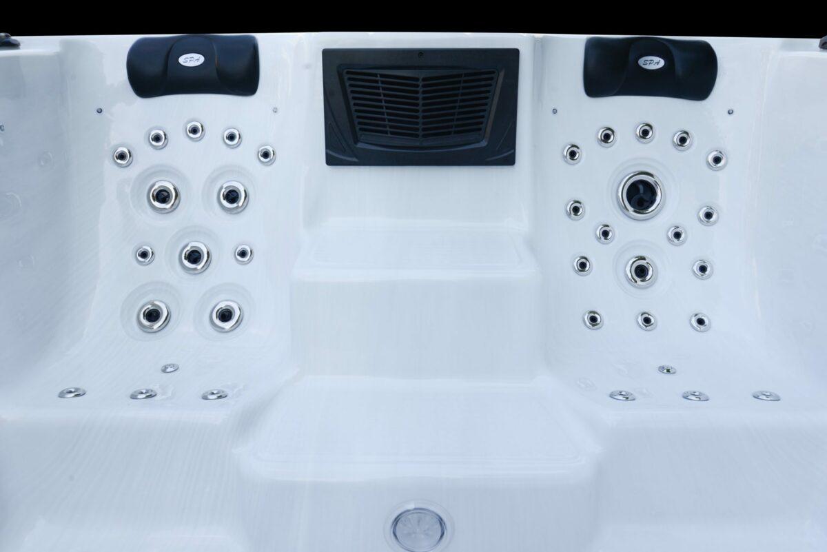 Platinum Spas Neptune Swim Spa - Seats