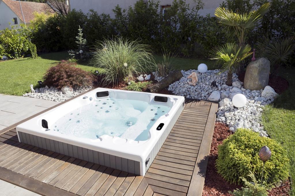Pisces Hot Tub In Garden Ground
