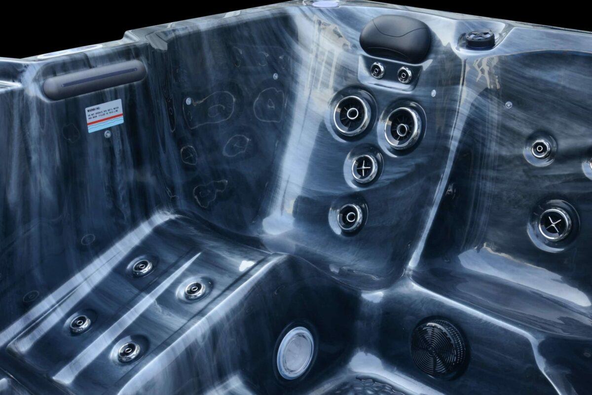Platinum Spas Trident Hot Tub (Silver) - Lounger