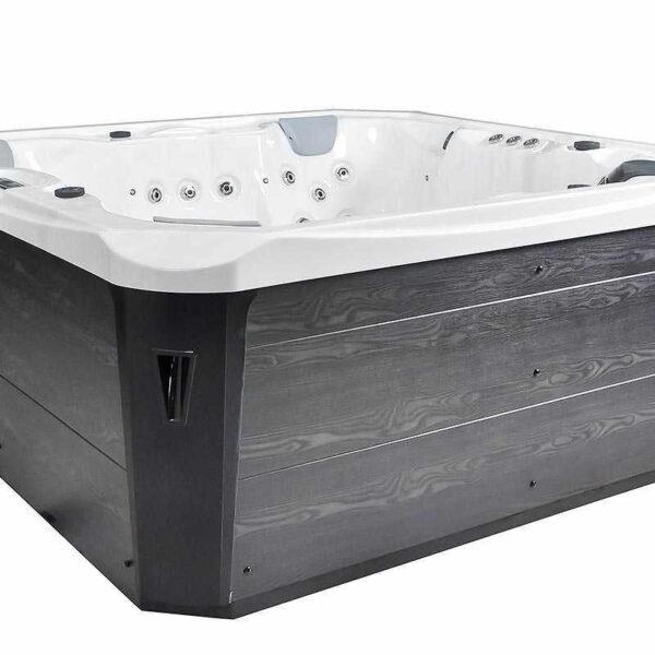 Venezia Hot Tub